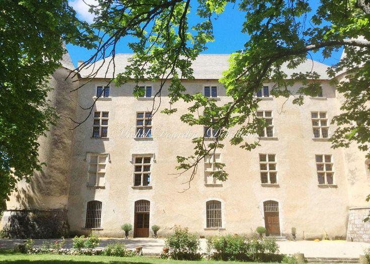achat vente Château Médiéval et Renaissance a vendre  classé Monument Historique , dépendances, maison de gardiens, piscine Gréoux les Bains  ALPES DE HAUTES PROVENCE PACA
