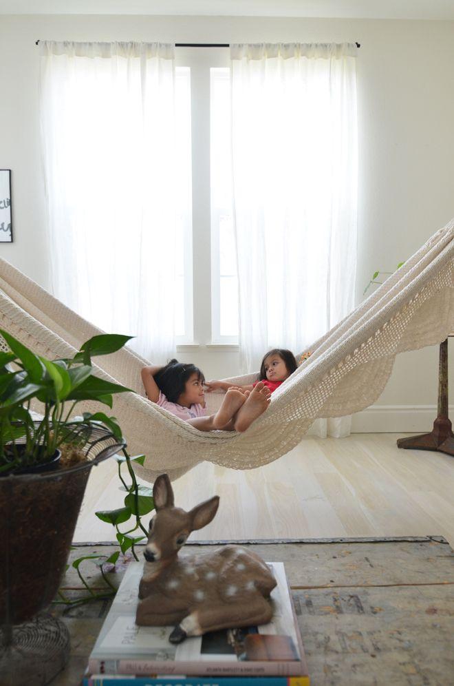 indoor hammock via cakies. love it!