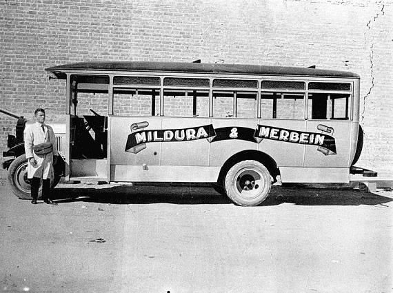 how to get to mildura from melbourne by bus