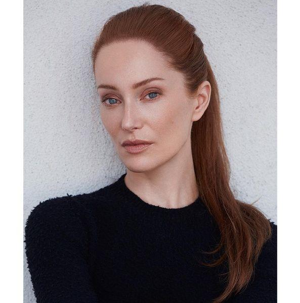 NEW Photoshoot of Lotte Verbeek   Outlander Online