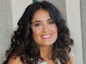 Salma Hayek (1966) (Fools Rush In)  (Note: She starred as Frida in a movie of the same name! :)  )///............(((skoða IMDB)))