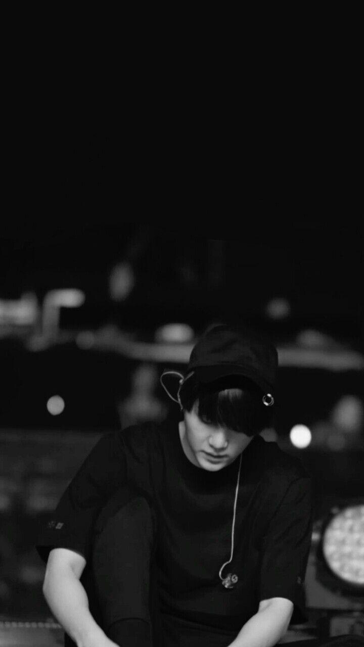 Suga Black And White Bts Yoongi Aktor Selebritas Orang Lucu