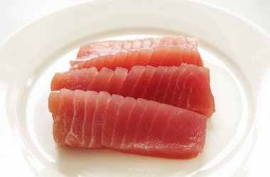 Asian Tuna Tartare | I prefer to use lime juice over lemon