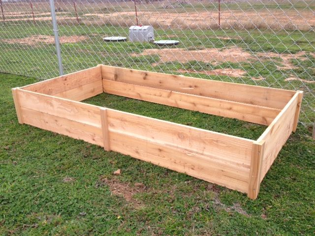 1000 images about homemade garden box on pinterest for Garden bed fence ideas