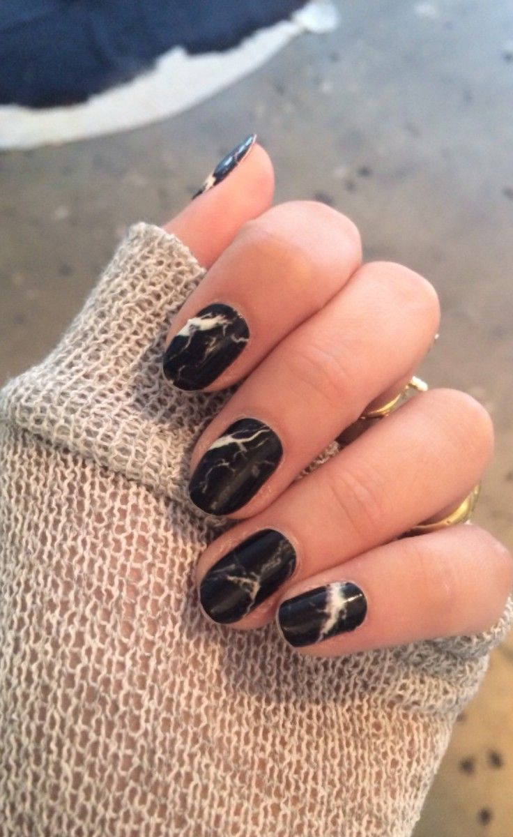 black marbled manicure
