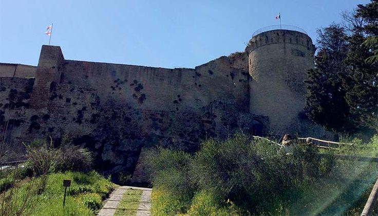 Nella Fortezza di Castrocaro Terme ricostruita, sono tornati fantasmi e spiriti, leggende e favole. Due i personaggi chiave Elio e Marta.