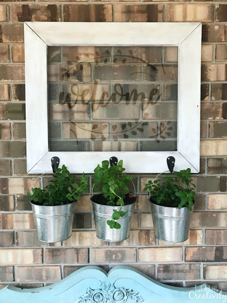 DIY farmhouse style outdoor art