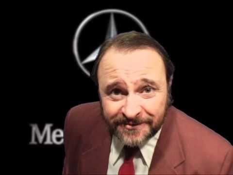 Il blitz della GdF a Cortina, ha dimostrato che viviamo nel Paese del Sogno, un paese in cui anche un poveraccio può comprarsi una macchina da 300.000 euro. Per entrare a far parte del Sogno e per poter installare una sauna nel ripostiglio delle scope, Balasso ha accettato di essere il nuovo testimonial della Mercedes.