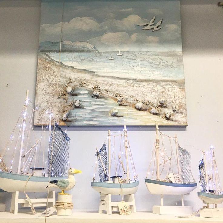 #vacchetti #vacchettispa #mare #mare2018 #sea #seacollection #newcollection #barca #barcaconled  #beach #sand #spiaggia #quadro #myhome #homedesign #inspire_me_home #homedecor #sealovers #summer #summercollection #ilovesea #azzurro #biancoazzurro #lightblue #complementidarredo #giftidea
