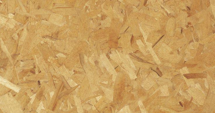 Como reciclar sobras de aglomerado de madeira. O aglomerado é um produto derivado da madeira obtido pelo processamento de pequenas partículas desse material, na forma de aparas, lascas ou serragem, juntamente com resinas sintéticas, tais como a melamina. Esse material é formado a partir de uma mistura de pedaços de madeira e cola prensados por uma máquina de extrusão para formar longas ...