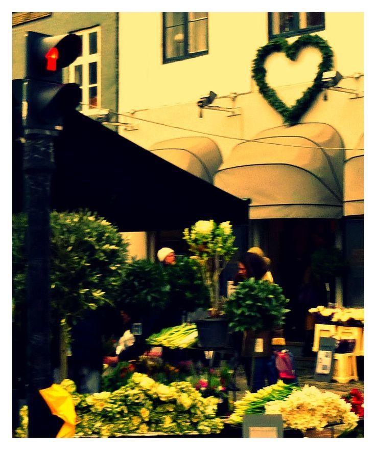 Kristen Bernikowsgade florist celebrating Valentines Day