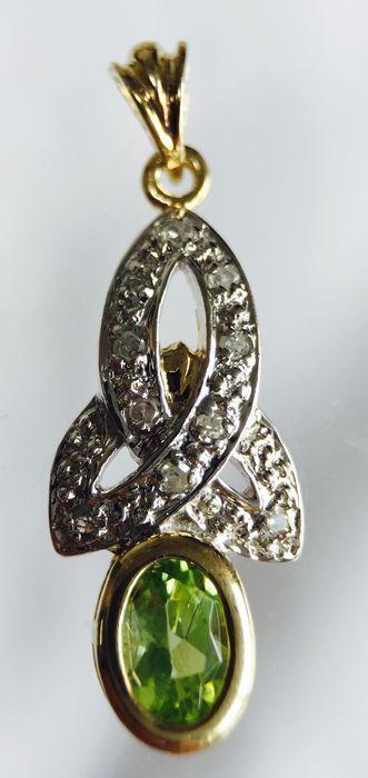 Gouden Keltische Knoop Hanger met 10 Briljant geslepen Diamanten & Ovaal geslepen Olivijn