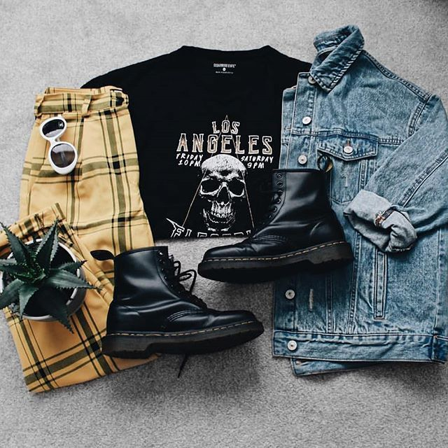 Follow ALTGirl  Alternative Style Grunge Style Gothic Style Grunge Girl Grunge Outfits Alternative G…  #alternative #altgirl #follow #girl #Goth