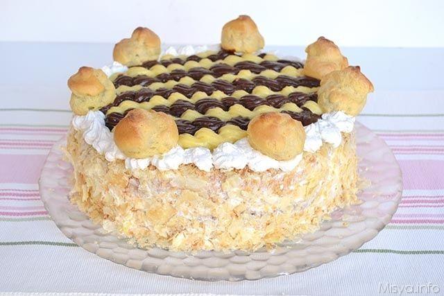 Torta Saint-Honorè, scopri la ricetta: http://www.misya.info/2015/01/12/torta-saint-honore.htm