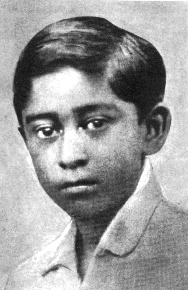 bollywood-singer-actor-kishore-kumar-rare-childhood photo