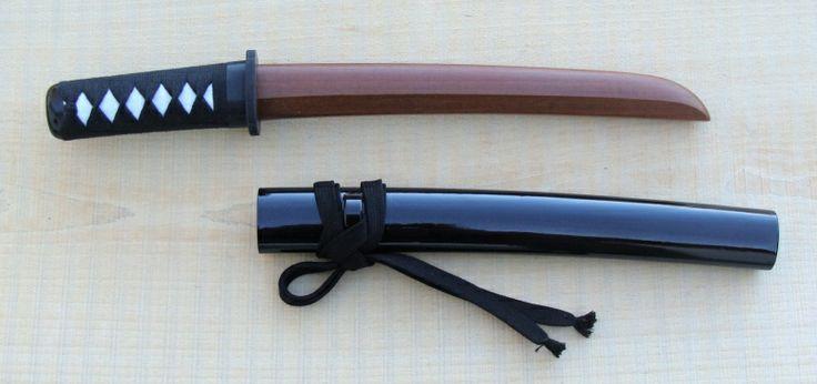 wood Tanto  Link: http://4.bp.blogspot.com/-09uyAgL-9wQ/Tij249UpuPI/AAAAAAAAABk/4ehpGQCH8Go/s1600/tanto+Ipe.jpg