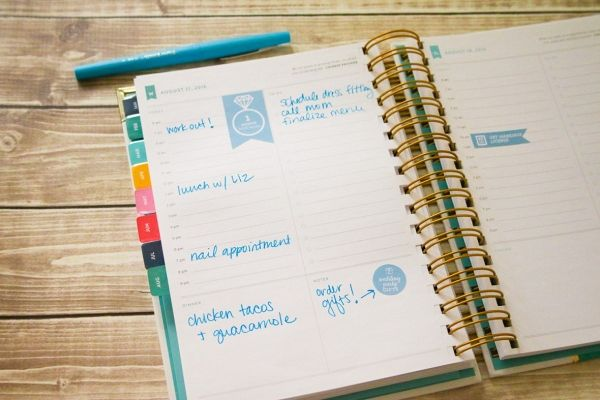 Cricut wedding planning stickers DIY from The Budget Savvy Bride