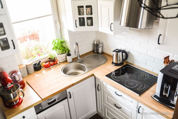 Drewniany, dębowy blat w kuchni + białe szafki / Wooden working table in Kitchen + White Cabinets