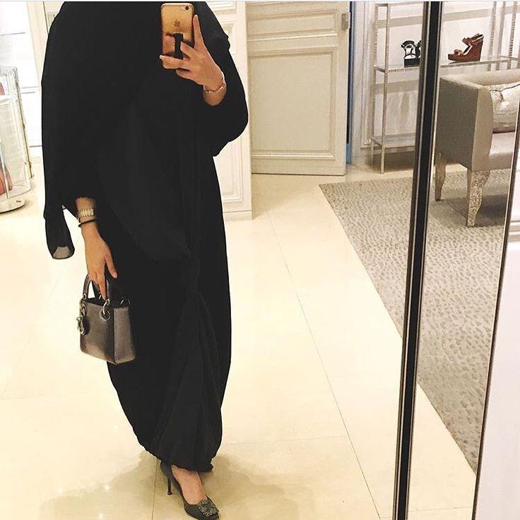 IG: AK.Designss    Modern Abaya Fashion    IG: Beautiifulinblack