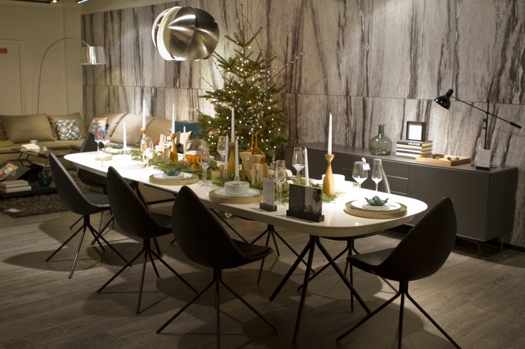 Decorate your Christmas table using accessories in natural materials such as wood, horn and fir and create an evocative, 'back-to-nature' experience for your guests.