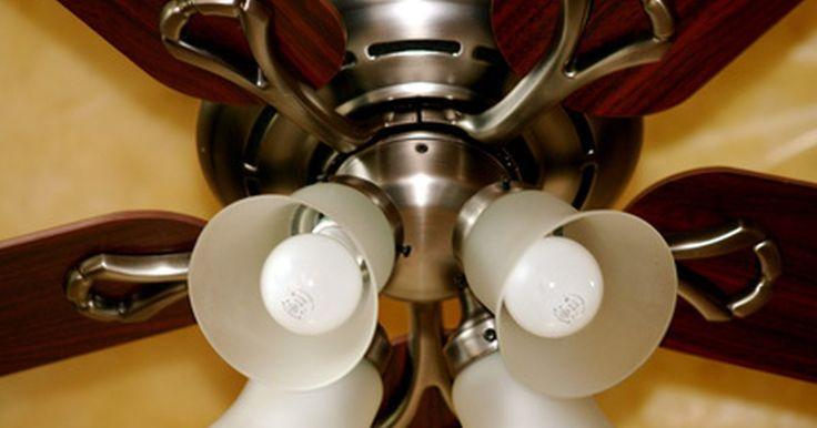 Como embutir um ventilador de teto. Os ventiladores de teto são de fácil instalação, com kits que são projetados para permitir que o proprietário faça e configure a fiação. Um ventilador embutido é aquele em que a base fica diretamente contra o teto, em vez de balançando para baixo a partir de uma haste. Assegure-se de que a base do seu novo ventilador seja maior do que a do ...