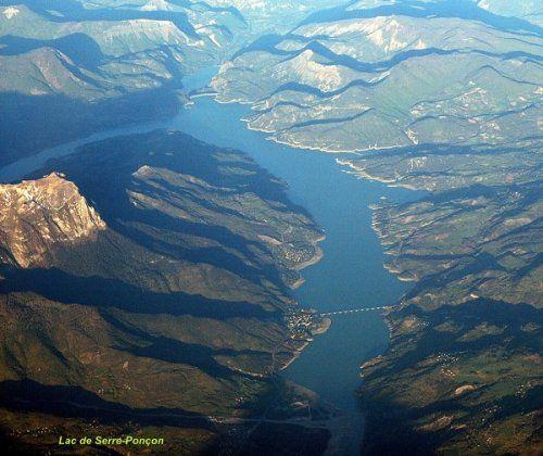 Lac de Serre Poncon Hautes-Alpes