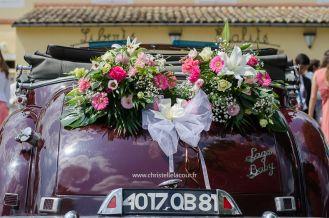 coffre voiture en fleurs naturelles - Arrivée des mariés - Mariage ...