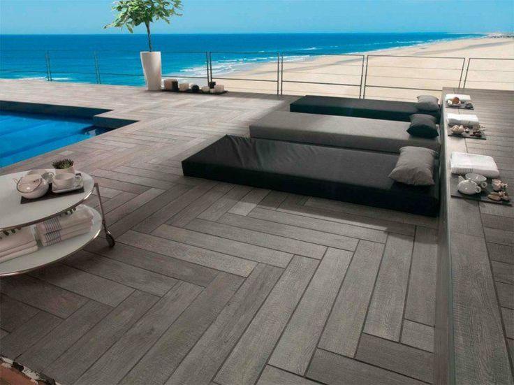 terrasse moderne avec carrelage extérieur imitation bois par Porcelanosa