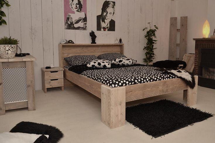 Heerlijk wakker worden in dit steigerhouten bed!