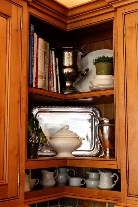 wish i could do this to my corner cabinet i hate the