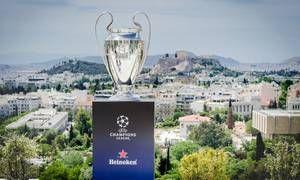 Στην Ελλάδα αποκλειστικά από τη Heineken το τρόπαιο του UEFA Champions League   ΗHeinekenφιλοξένησε σήμερα και για λίγες μόνο ώρες στην Αθήνα το αυθεντικό τρόπαιο του UEFA Champions League. Οι τυχεροί καλεσμένοι μπόρεσαν  from ΤΕΛΕΥΤΑΙΑ ΝΕΑ - Leoforos.gr http://ift.tt/2phCi3Q ΤΕΛΕΥΤΑΙΑ ΝΕΑ - Leoforos.gr