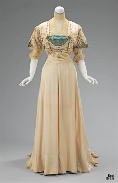 Женское платье 19 век