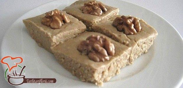 Tahinli tatlı, çok kolay yapılan ve oldukça lezzetli bir şerbetli tatlıdır. Bayramlarda, ramazanda v...