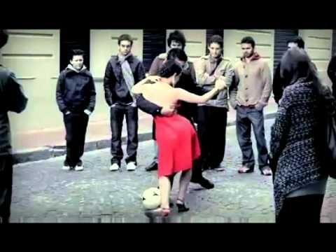 tango y fútbol-Buenísimo para enseñar como se baila el Tango y lo importante que es el fútbol en Argentina.
