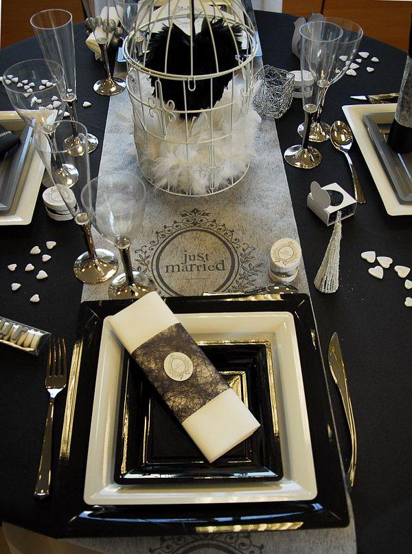 les 11 meilleures images propos de table noire et blanche sur pinterest baroque or noir et. Black Bedroom Furniture Sets. Home Design Ideas