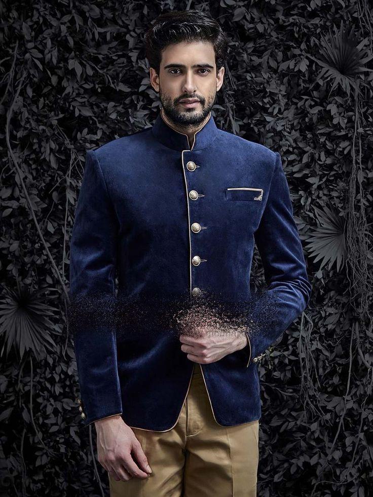 Синий бархатный мужской френч (воротник - стойка)   светло-коричневые брюки