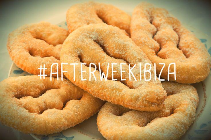 Delicioso postre tradicional ibicenco, orelletes.  Delicious traditional dessert of Ibiza, orelletes. #gastronomy #gastronomia #afterweek #afterweekibiza