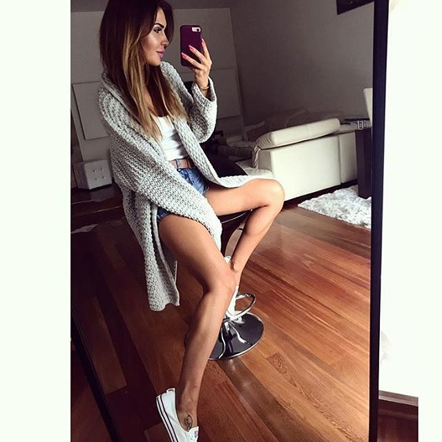Dziś wita Was przepiękna @justyna_ell , która na niezbyt ketnią pogodę😩☔️wybrała nasz odlotowy sweter 😎👌🏻 przypominany Wam o RABACIE 👉10% i darmowa wysyłka! Hasło: gdzietolato 🤔#wwwmosquitopl #ootd #onlinestore #onlineshopping #summervibes #stylizacja #fashion #sweter #sweater #clothing #lato #2017❤️ #taniej #rabat #wyprzedaz #sale #promocja #outfit #blogger #relaks #polishgirl #positivevibes #czwartek
