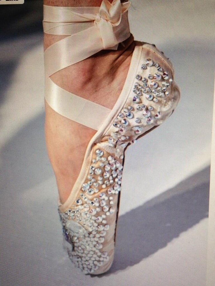 Yep. I need these. Sparkly pointe shoes...could anything be better??