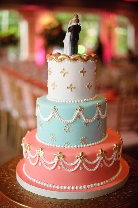 Oltre 25 fantastiche idee su torte nuziali a piani su for Piani di stoccaggio con portico