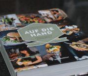 Buchrezension: Auf die Hand – Sandwiches, Burger & Toasts