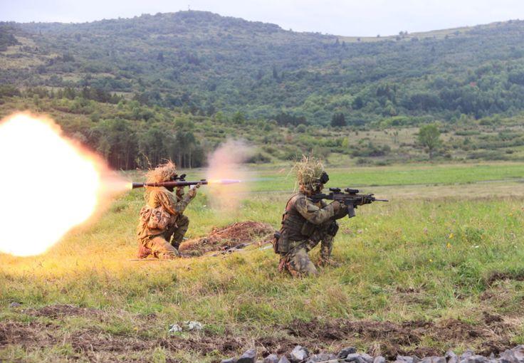 Czech soldier fires RPG-7 practice round [1230x853]