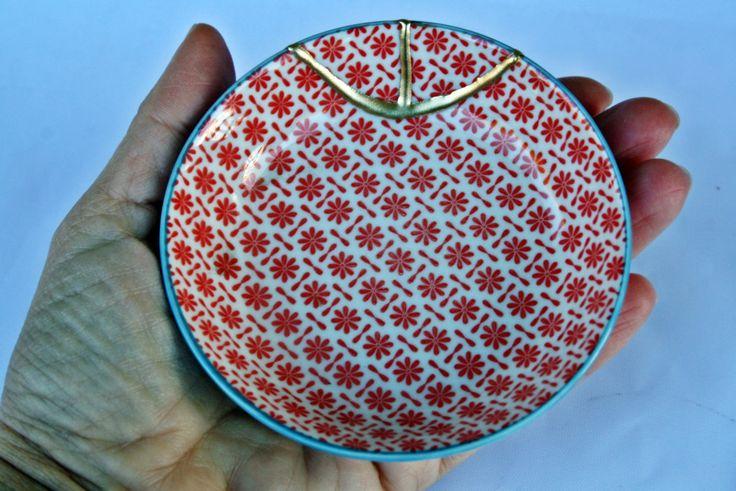Kintsugi Vintage plate, boowl,  cuenco Kintsugi porcelana oriental. Colección Butterfly de KanelaSuri en Etsy