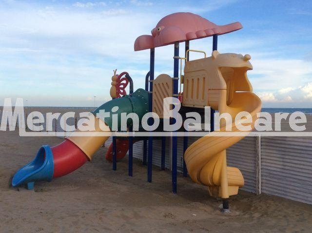 Gioco da spiaggia grande tipo playground - Mercatino Balneare Gioco grande da spiaggia con struttura in ferro zincato e plastica di ottima fattura per stare in esterno come da foto.  http://www.mercatinobalneare.it/annuncio/gioco-spiaggia-grande-tipo-playground/  #stabilimentobalneare #attrezzaturabalneare #attrezzaturabalneareusata #mercatinobalneare #attrezzaturabalnearenuova #annunciusato #lido #spiaggia #camping