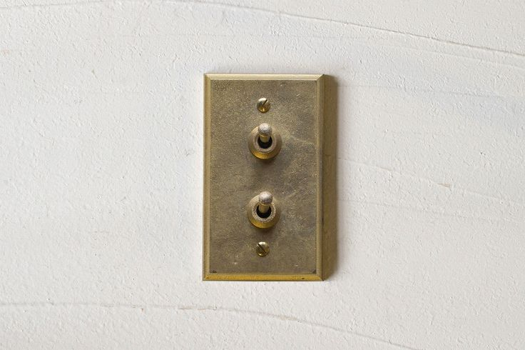 Brass Switch Plate 黃銅開關蓋板 / Matureware by Futagami 真鍮鋳肌の建築金物。