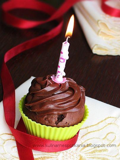 Kulinarne Spotkania: Muffiny czekoladowe i I urodziny bloga :)