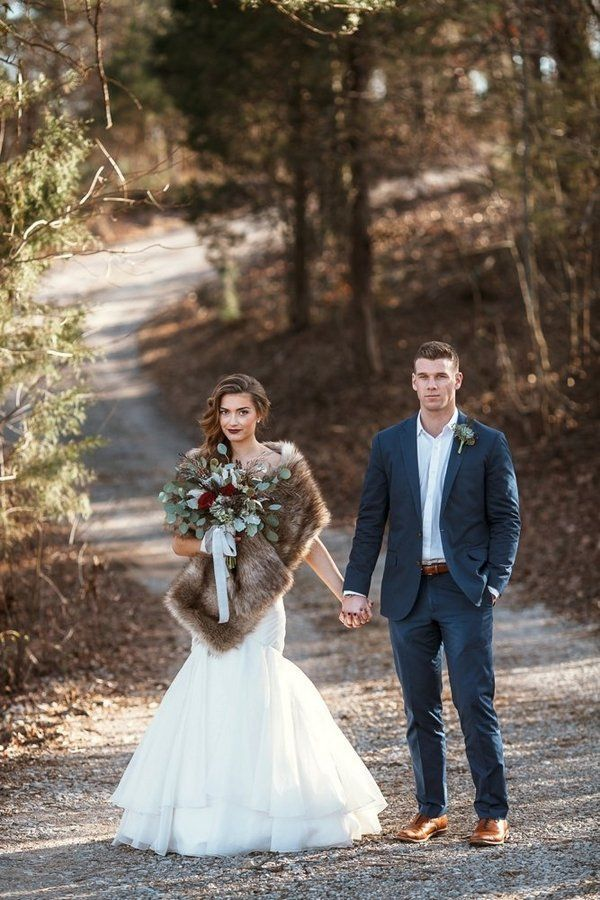 Winter wedding inspiration // photo by Leah Bullard + florals by Samuel Franklin
