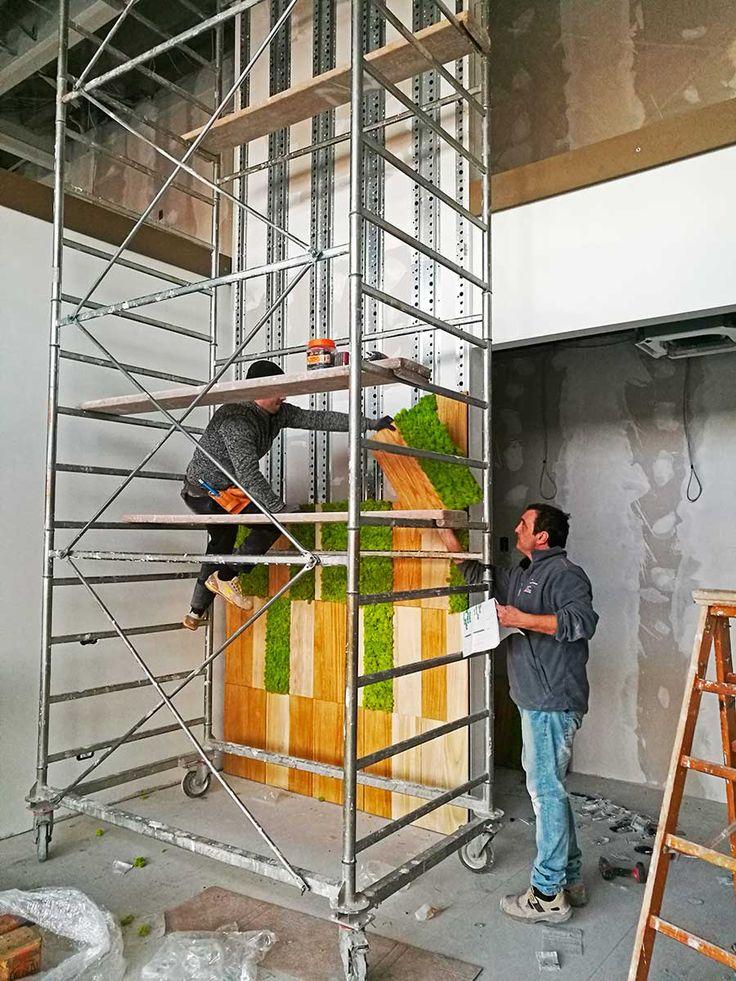 WORKinPROGRESS presso cantiere a Carrè per il progetto Cartotecnica Rigon. La collaborazione con l'azienda Biedro, che ha progettato gli spazi interni dell'immobile, ha dato vita a due grandi pareti, che si sviluppano su due piani, regalando una sensazione di colore e natura subito nella hall d'ingresso. I lavori sono ancora molti, per il momento iniziamo a darvi un assaggio, rimanete sintonizzati e scoprirete l'opera completa.  #workinprogress #cmosswall #installazione #semplice #veloce