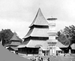Masjid di Kotabaru, Bukittinggi (Fort de Kock), tahun 1880. Foto koleksi Tropenmuseum.