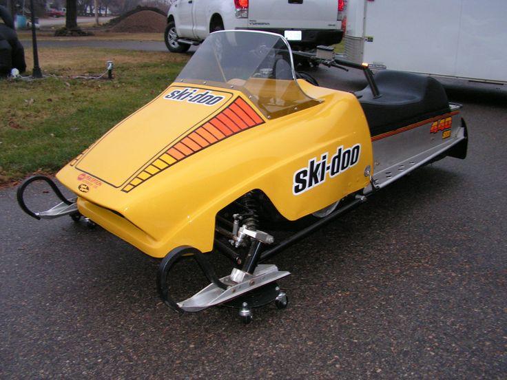 467459636295685363on 2000 Yamaha Srx 700 Snowmobile